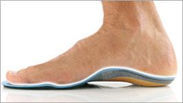 熱成形素材のインソールがあなたの足にピッタリフィット。適度な『硬さ』と『しなり』がシダスインソールの特徴