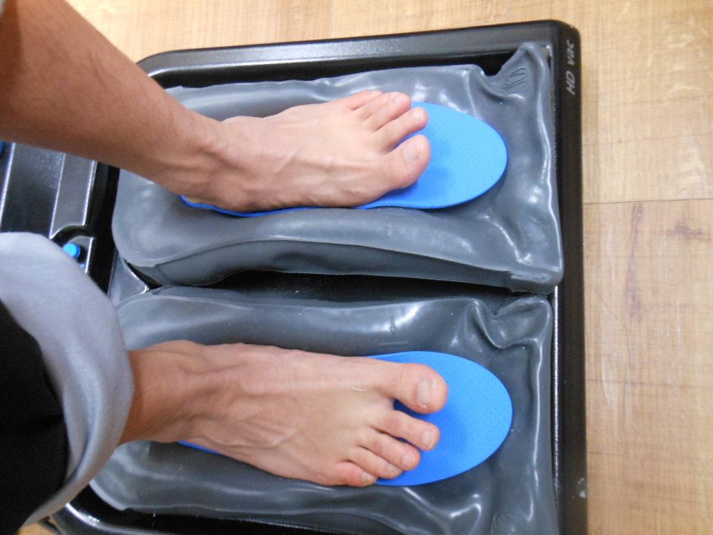 あなたの足型を忠実に再現したインソールが、足のトラブル改善、スポーツにおけるパフォーマンスアップをアシストします。